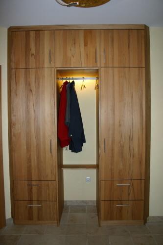 Galerie der garderoben for Garderobe kernbuche